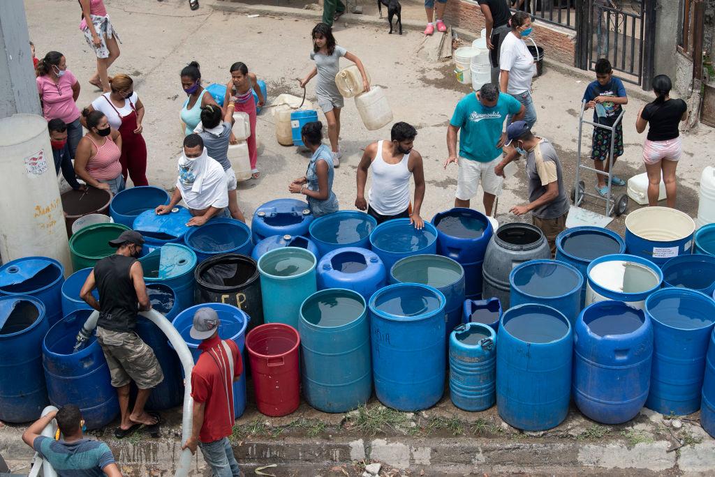 """Venezuela tiene """"otros datos"""" y muy poca agua para enfrentar la pandemia    Ruiz-Healy Times"""