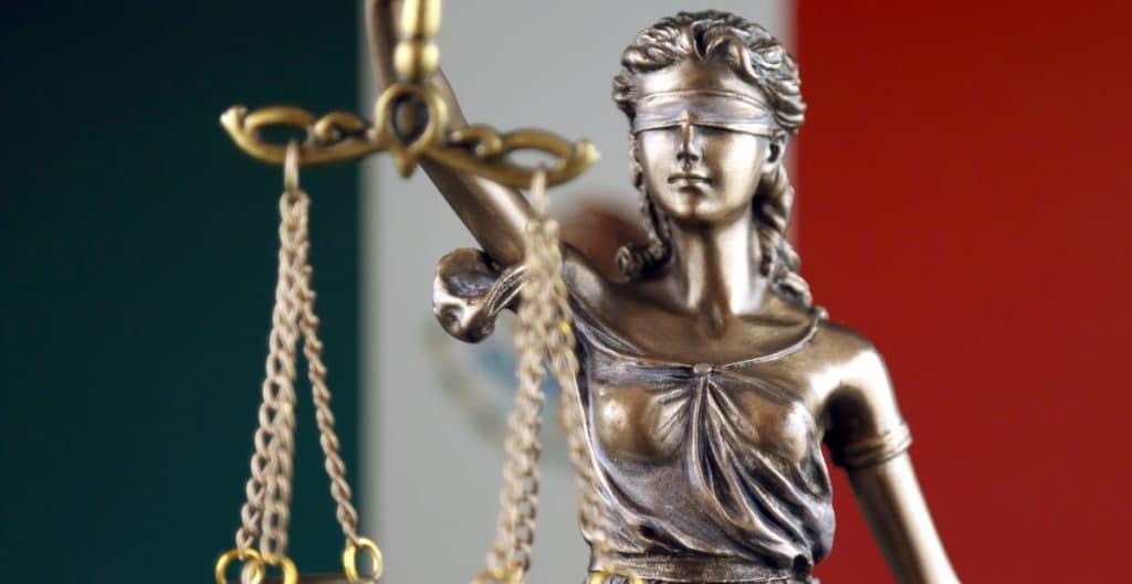 PODER JUDICIAL HÉROES Y VILLANOS O NO ENTENDEMOS EL JUEGO
