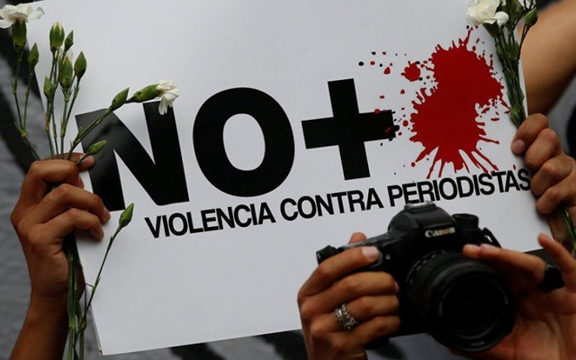 papeleta contra la violencia a periodistas